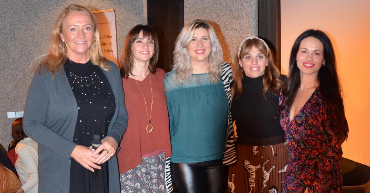 Membres de Venus sense cànon, Fundació IRES i actiu principal del curtmetratgr 'Mírame'