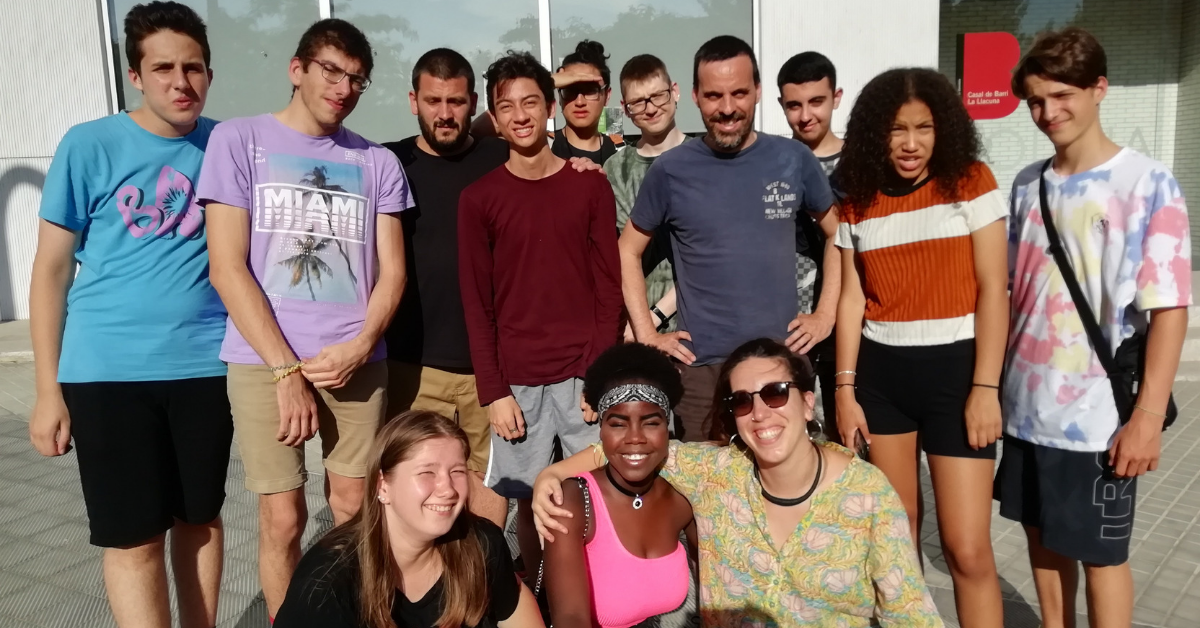 Joves del Click amb educadores i Roc Massaguer